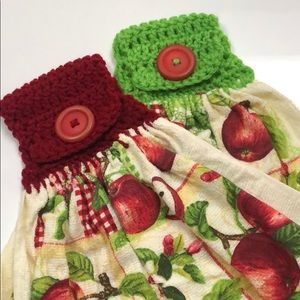 2 cotton oven apple 🍎 towels attached crochet 🍎